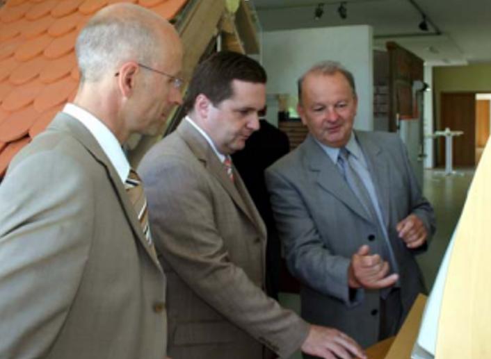 2004 MinisterMappus im energieZENTRUM