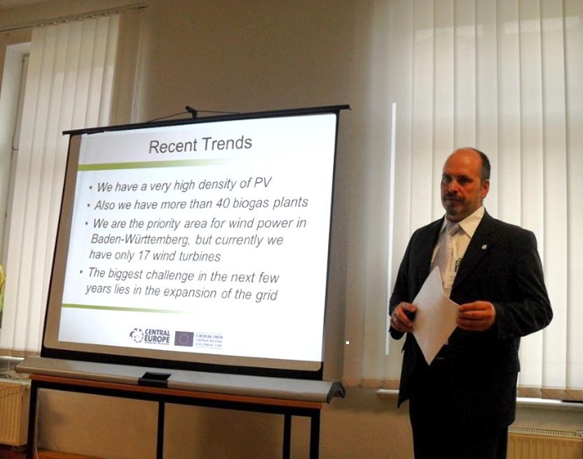 2011 Neuer eZ Leiter Kastenholz referiert